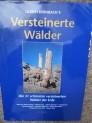 Kniha Zkamenělá dřeva Versteinerte Walder.