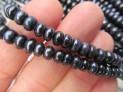 Říční perly černé kulaté 6 mm šňůra perel č.16