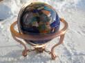 Globusy vykládané polodrahokamy  typ stojanu trojitý