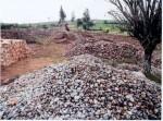 Achátové doly v Brazílii. Pohled na sklad vytěžených a roztříděných achátů ,Stát Rio Grande do Sul,Brazílie.